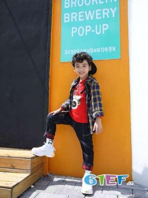 生活穿上嫲豆阁童装 给孩子们留下一个快乐的童年回忆